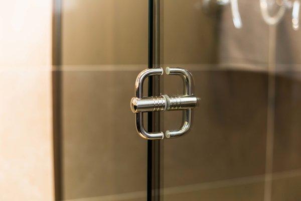 Accesorio para división de baño 1
